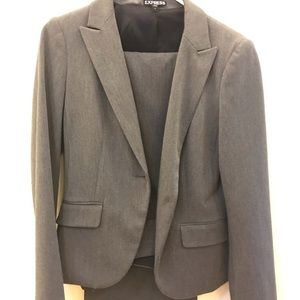 Gray business suit with stretch fabric